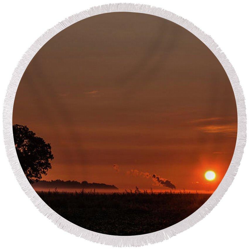 Sunrise Round Beach Towel featuring the photograph Morning Glow by Angela Mocniak