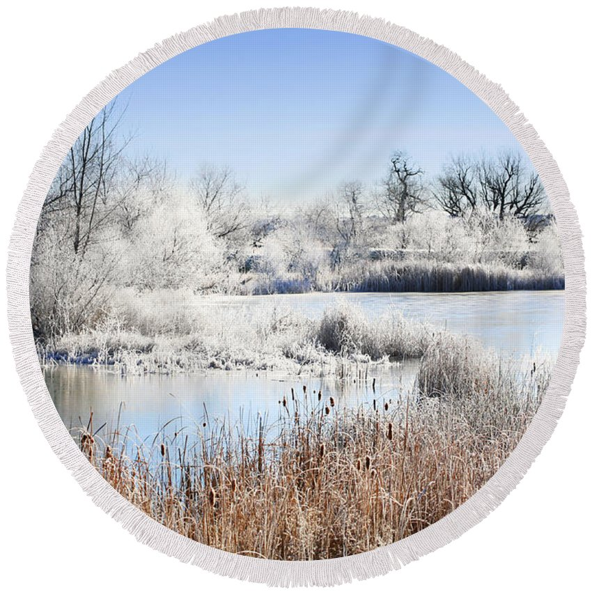 Hoar Frost Round Beach Towel featuring the photograph Morning Hoar Frost by Marilyn Hunt