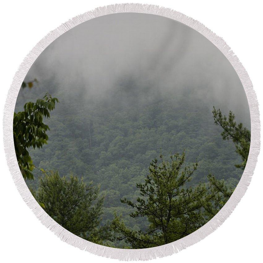 Bluestone Round Beach Towel featuring the photograph Morning Mist Bluestone State Park West Virginia by Teresa Mucha