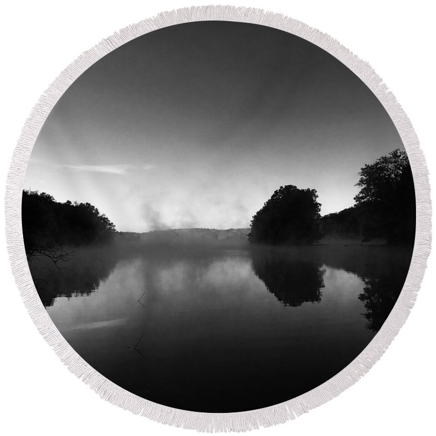 Landscape Round Beach Towel featuring the photograph Morning Mist by Don Pintavalle