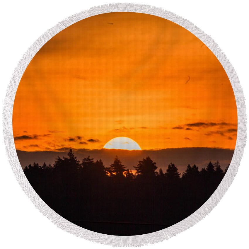 Sunrise Round Beach Towel featuring the photograph Morning On Fire by Danielle Silveira