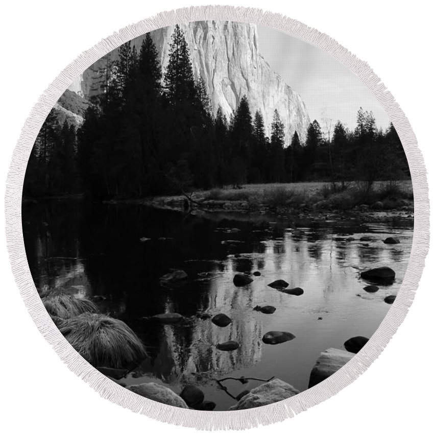 El Capitan Round Beach Towel featuring the photograph Morning Sunlight On El Cap - Black And White by Heidi Smith