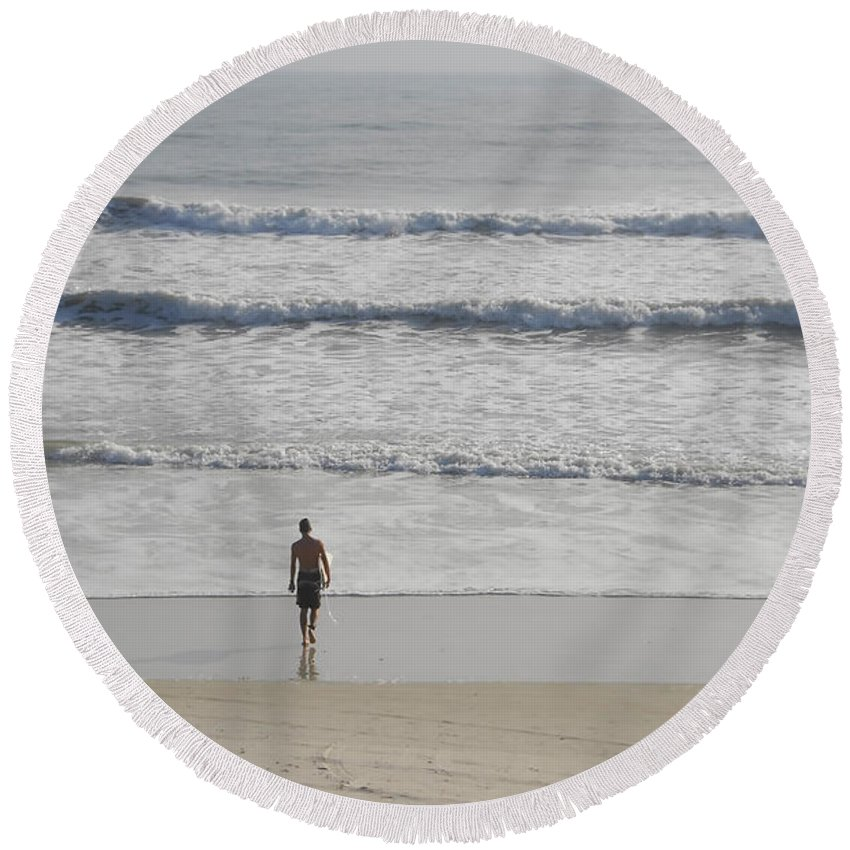 Surfing Round Beach Towel featuring the photograph Morning Surf by David Lee Thompson