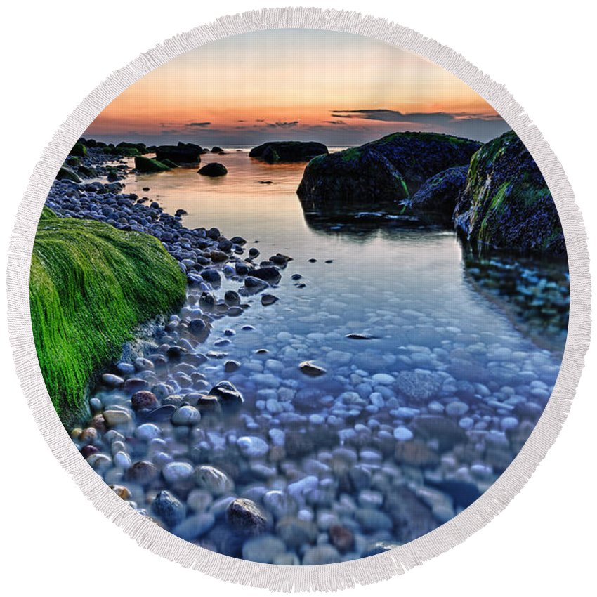 Sunset Round Beach Towel featuring the photograph Moss And Water by Rick Berk