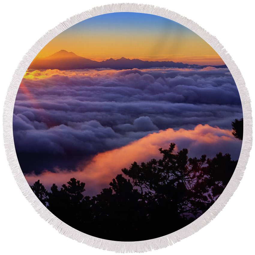 America Round Beach Towel featuring the photograph Mount Constitution Sunrise by Inge Johnsson