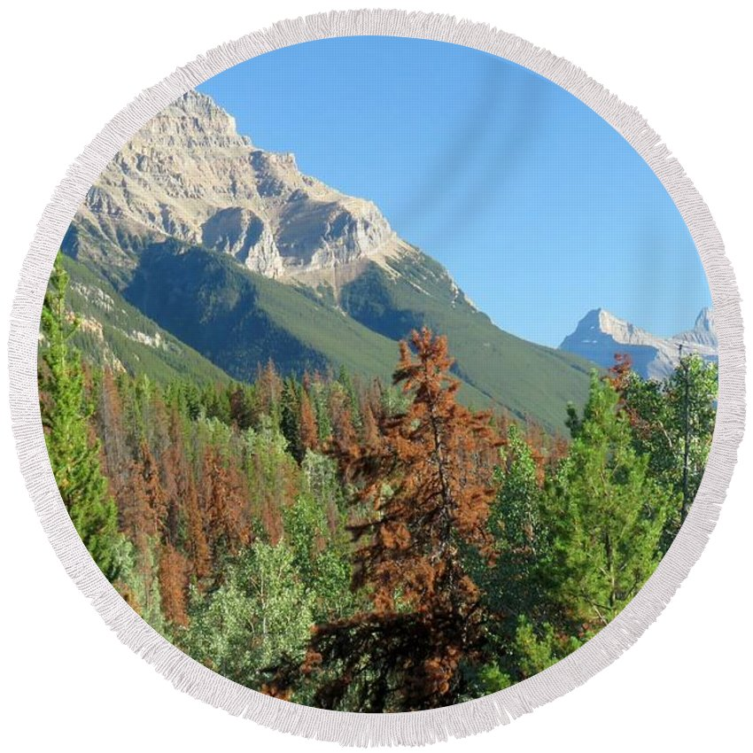 Mountain Round Beach Towel featuring the photograph Mount Kerkeslin by Frank Townsley