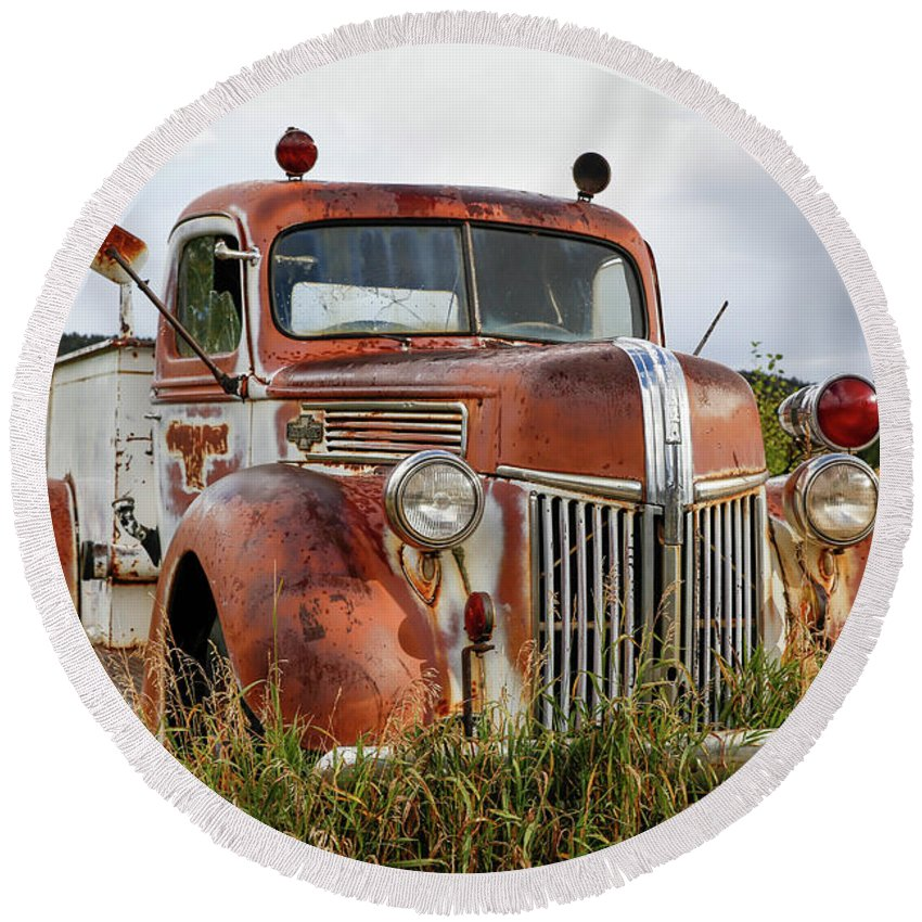 Firetruck Round Beach Towel featuring the photograph Old Fire Truck In The Mountains by Lynn Sprowl