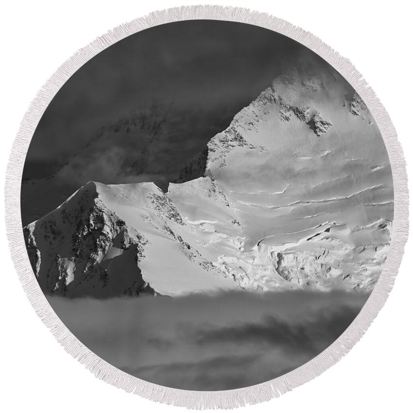 Alaska Round Beach Towel featuring the photograph Mount Mckinley by Max Steinwald