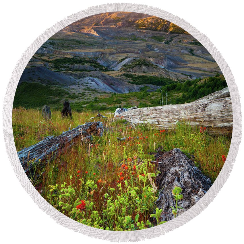 America Round Beach Towel featuring the photograph Mount Saint Helens by Inge Johnsson