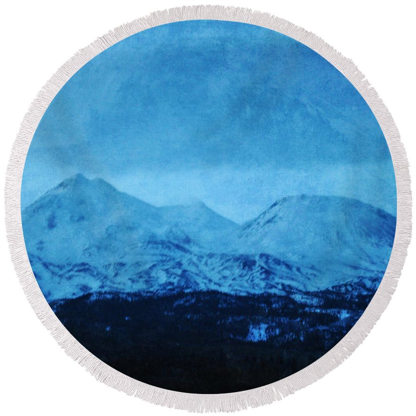 Mount Shasta Round Beach Towel featuring the photograph Mount Shasta Twilight by Kyle Hanson