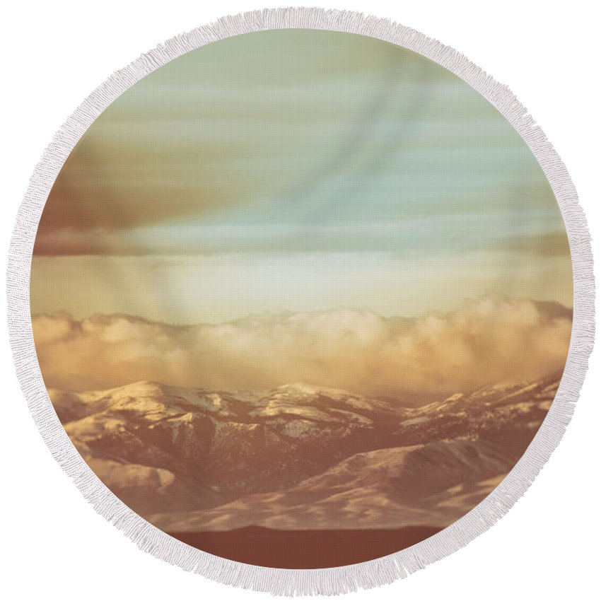 Mountain Round Beach Towel featuring the photograph Mountain Classic1 by Bob Lyle