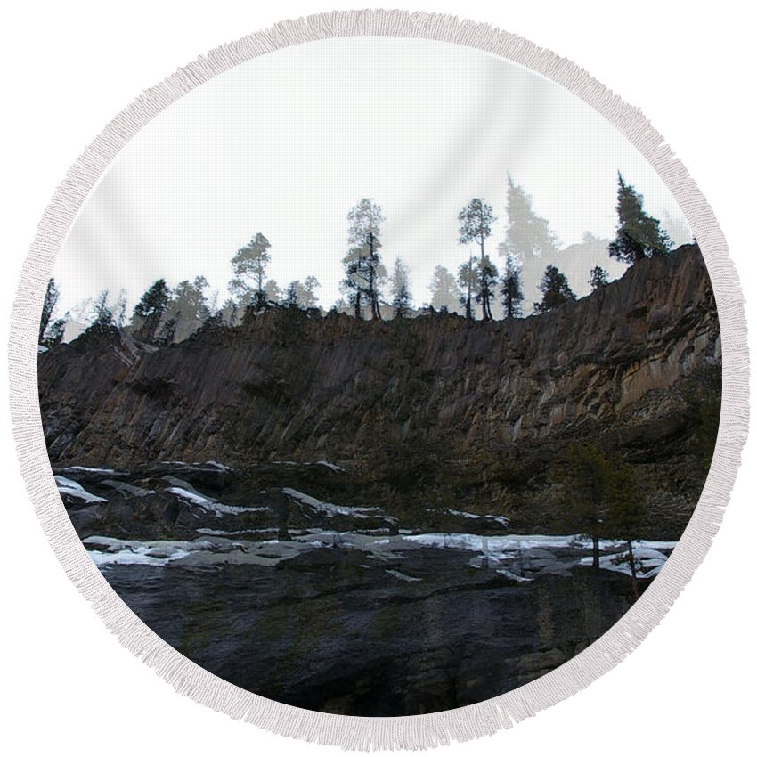 Ridelines Round Beach Towel featuring the photograph Mountain Dreaming by Jeff Swan