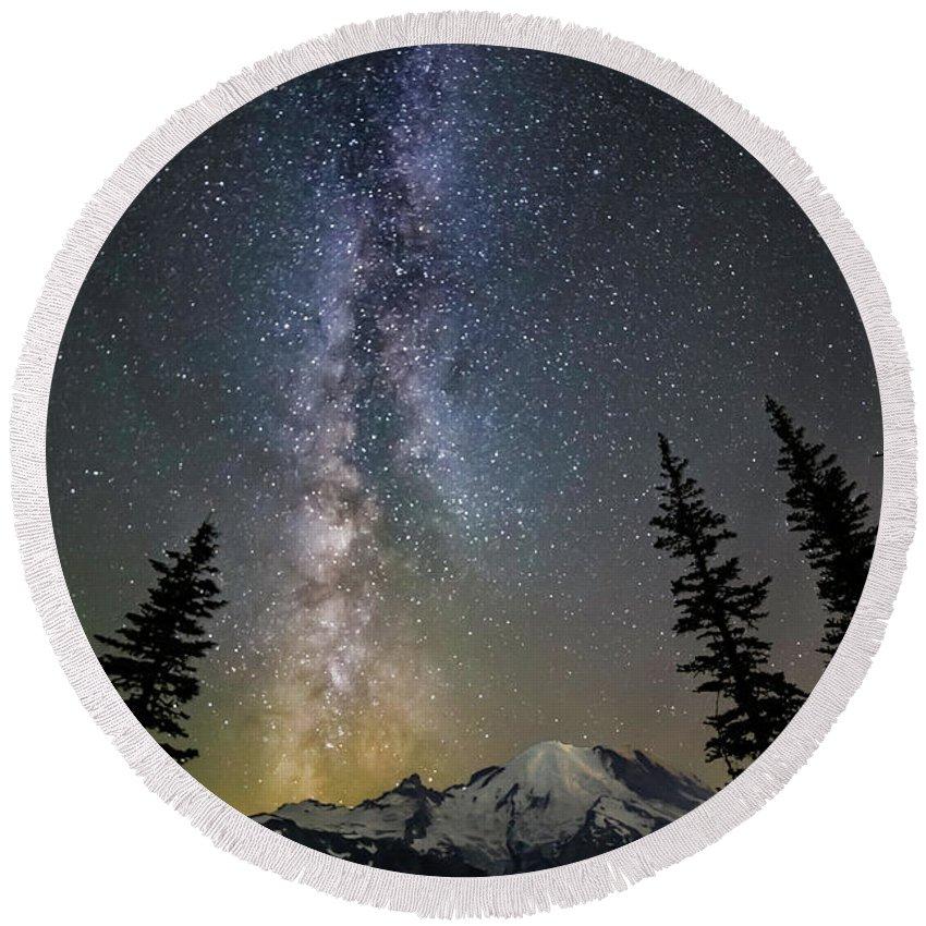 Friday Harbor Washington Round Beach Towel featuring the photograph Mountain Milky Way by Thomas Ashcraft