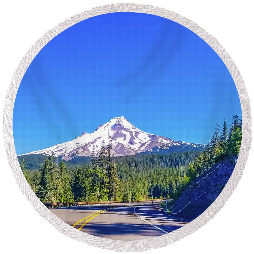 Oregon Round Beach Towel featuring the photograph Mountain Top by Jonny D