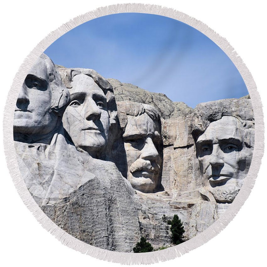 Mount Rushmore Round Beach Towel featuring the photograph Mt Rushmore by Bonfire Photography