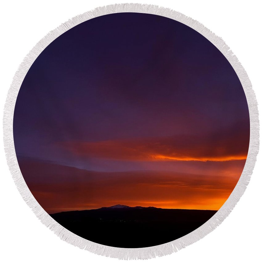 Landscape/ Sunrise Round Beach Towel featuring the photograph Mt Taylor Grandeur Vista by Rudy Gallegos