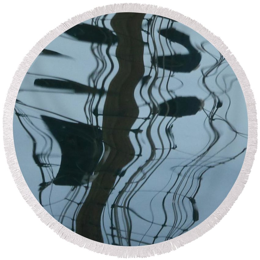 Water Round Beach Towel featuring the photograph Musical Reflection by Nili Tochner