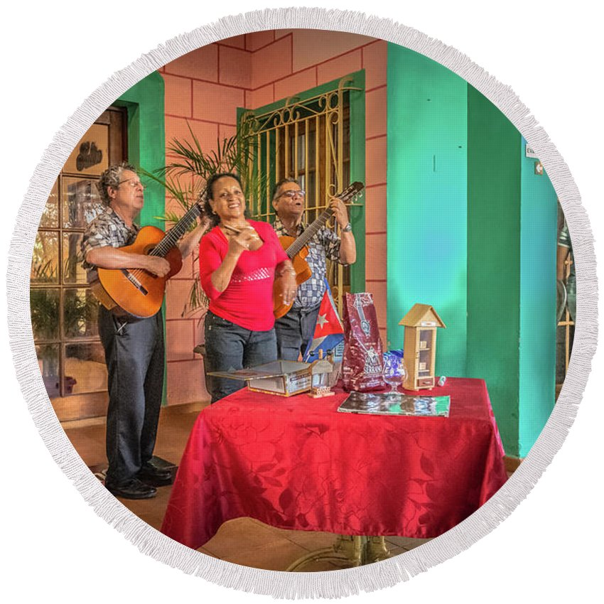 Havana Round Beach Towel featuring the photograph Musicians by Bill Howard