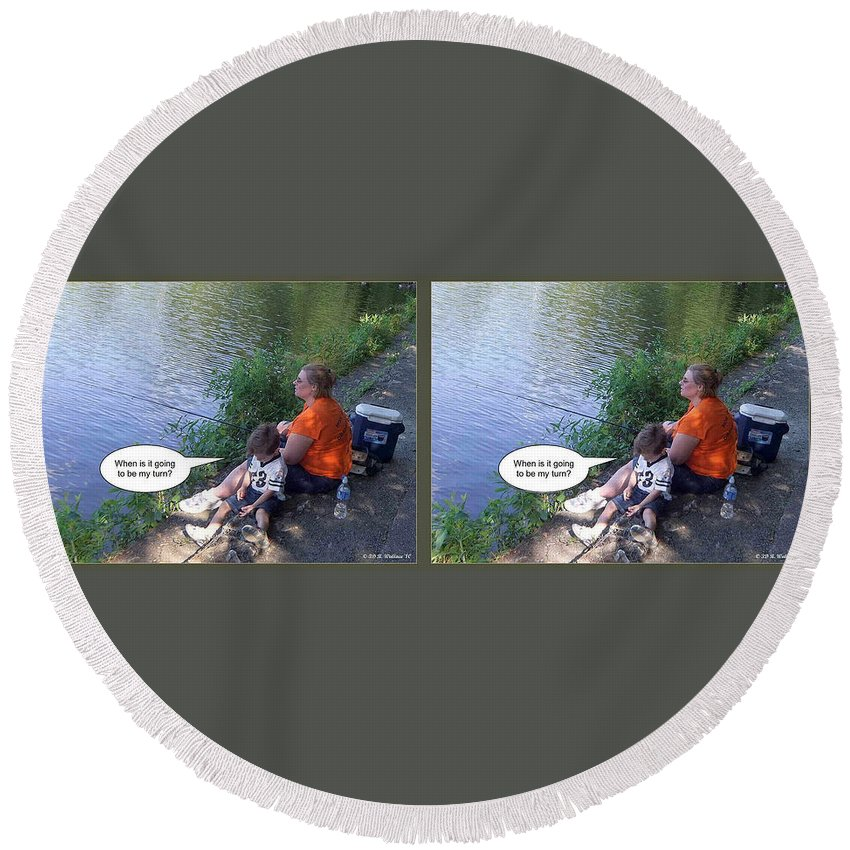 3d Round Beach Towel featuring the photograph My Turn - Gently Cross Your Eyes And Focus On The Middle Image by Brian Wallace