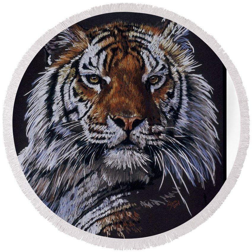 Tiger Round Beach Towel featuring the drawing Nakita by Barbara Keith