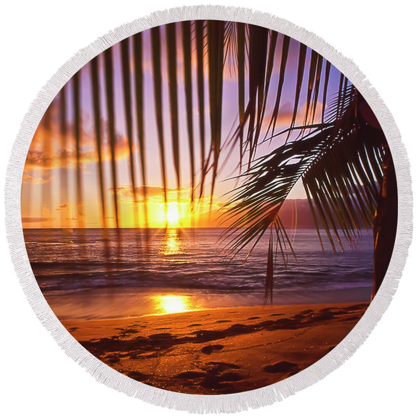 Sunset Round Beach Towel featuring the photograph Napili Bay Sunset Maui Hawaii by Jim Cazel