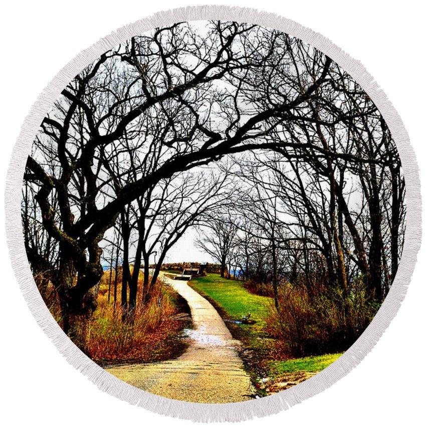 Garvin Heights Round Beach Towel featuring the photograph Narrow Path by Susie Loechler
