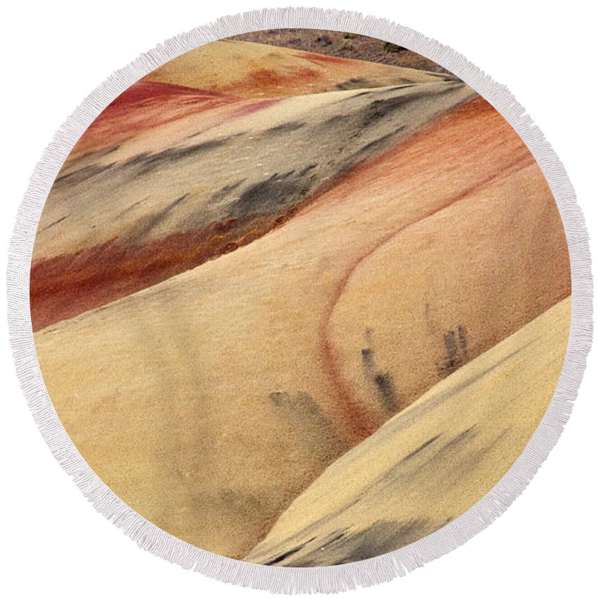 Painted Hills Round Beach Towel featuring the photograph Nature's Palette by Mike Dawson