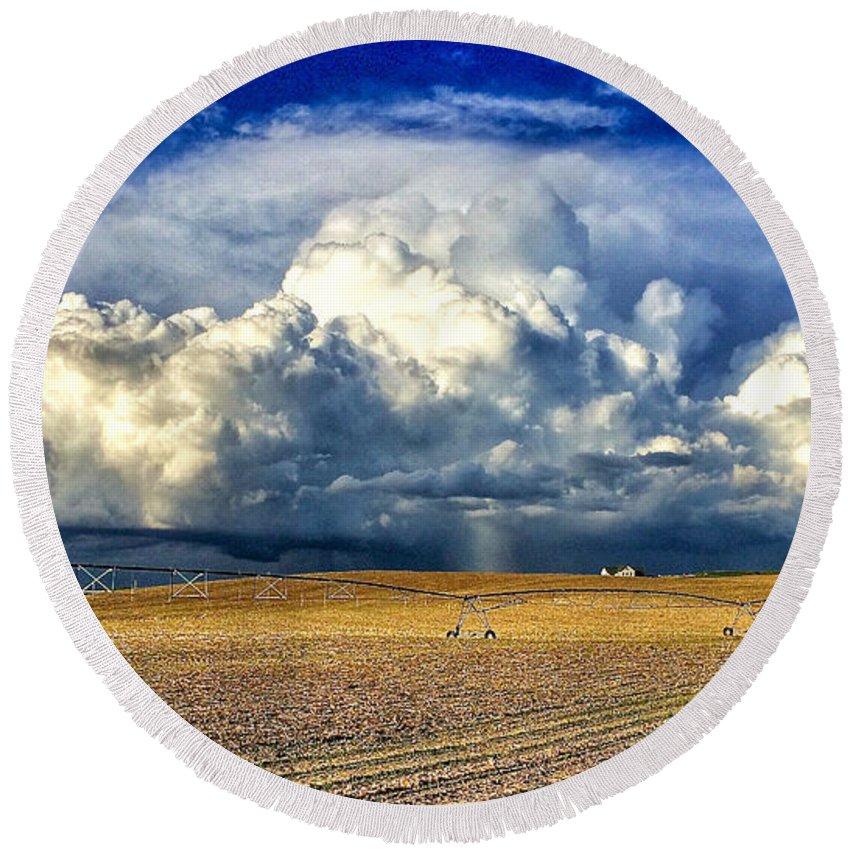 Photo Round Beach Towel featuring the photograph Nebraska Thunderhead by Dan Miller