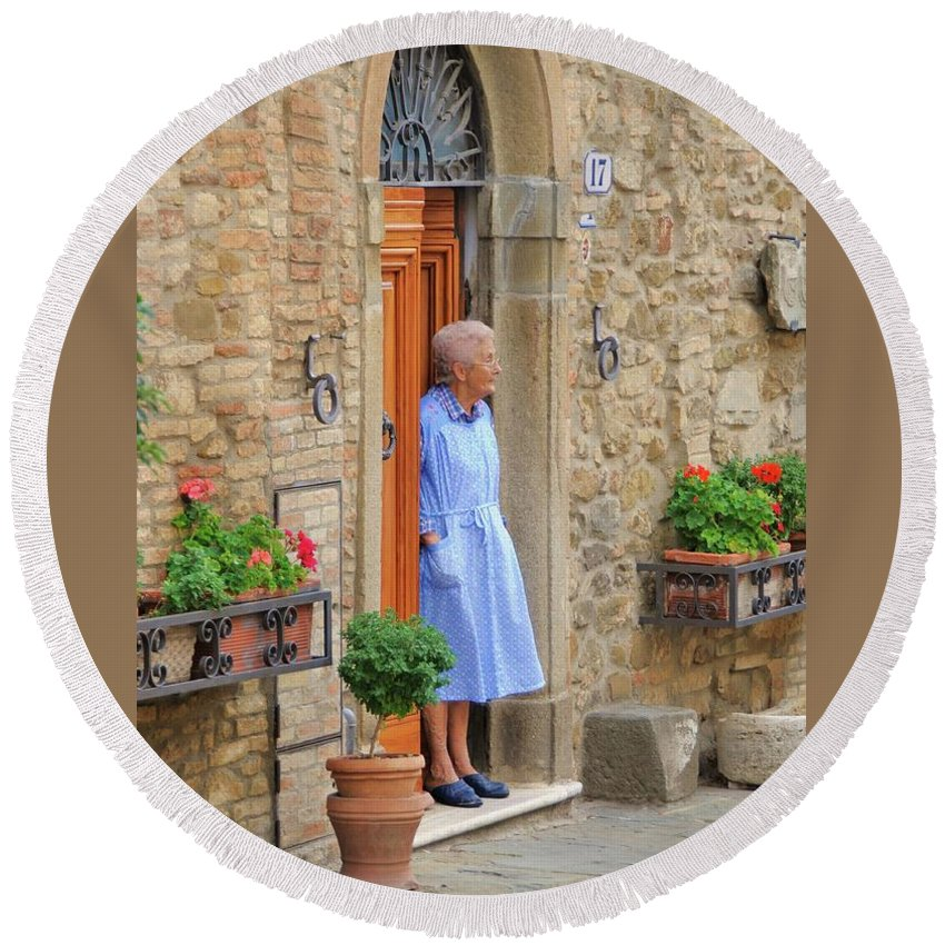 Italy Round Beach Towel featuring the photograph Neighborhood Watch by Jim Benest