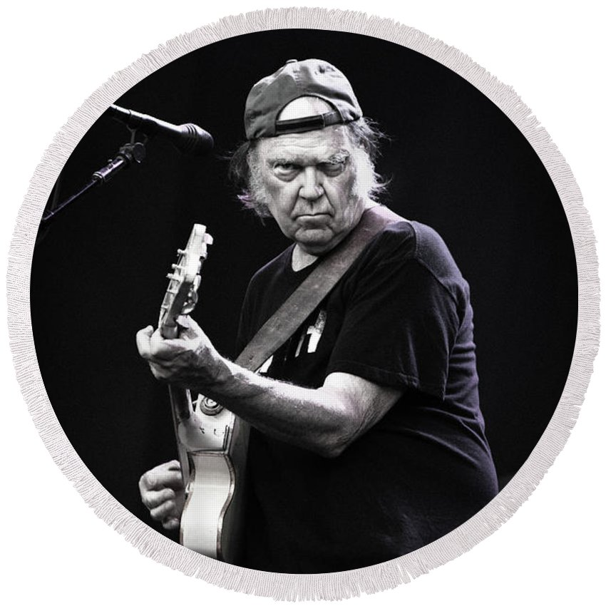 British Summer Fest Round Beach Towel featuring the photograph Neil Young by Anna Webber
