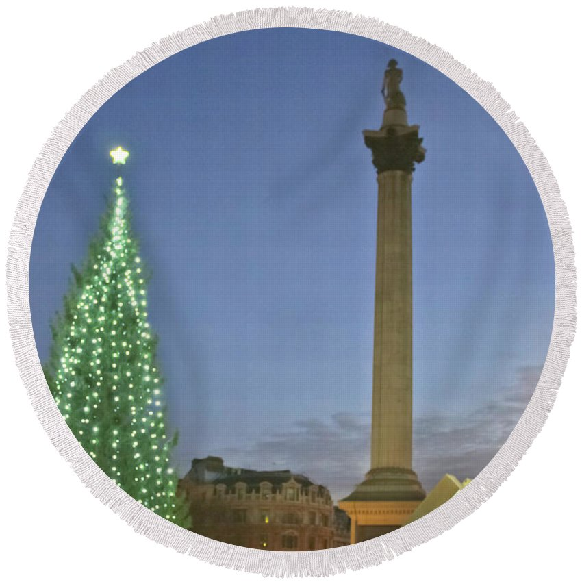 Olympic Clock Round Beach Towel featuring the photograph Nelson's Christmas Tree by Terri Waters