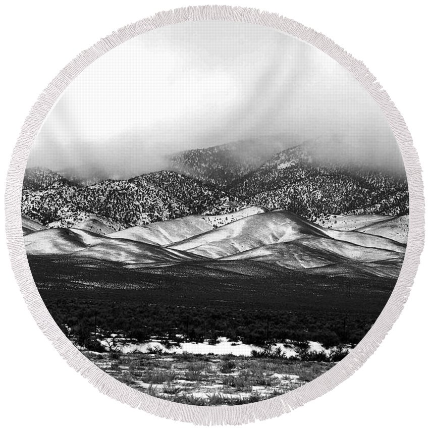 Snow Round Beach Towel featuring the photograph Nevada Snow by Nelson Strong