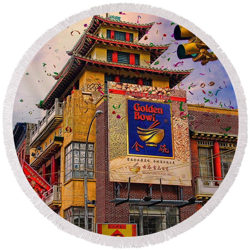 Canal Street Round Beach Towel featuring the photograph New Year In Chinatown by Chris Lord