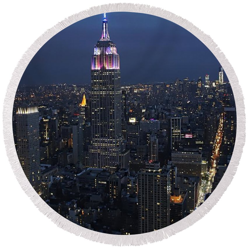 New York City Nights Round Beach Towel featuring the photograph New York City Nights by Lilliana Mendez