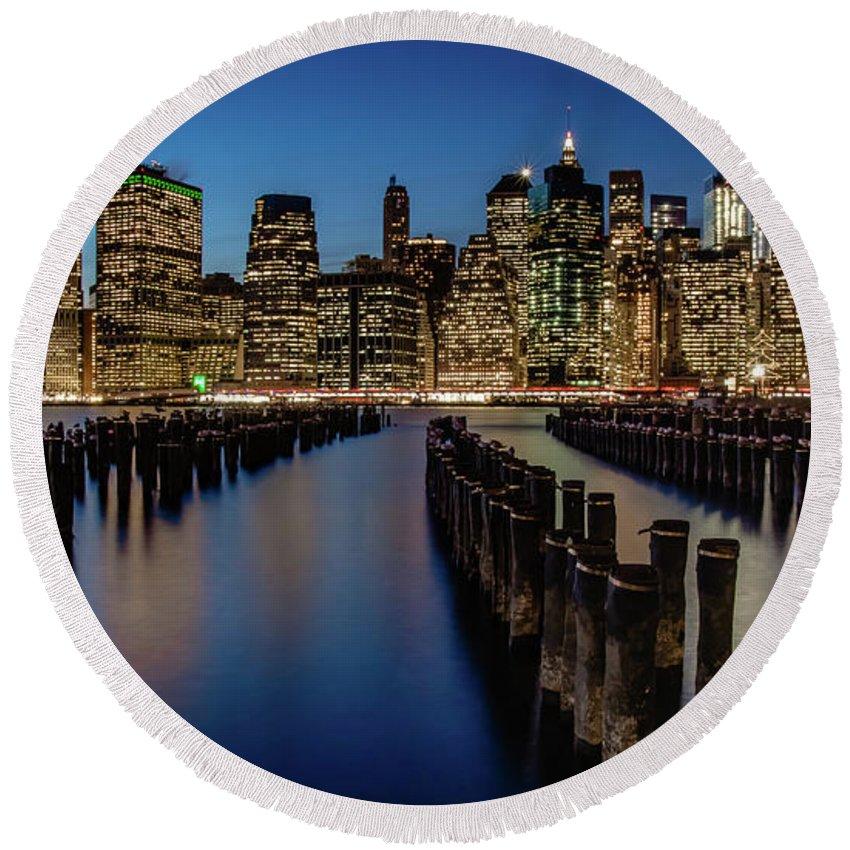 New York City Skyline Brooklyn Sunset Round Beach Towel featuring the photograph New York City - Skyline by Scott Moore