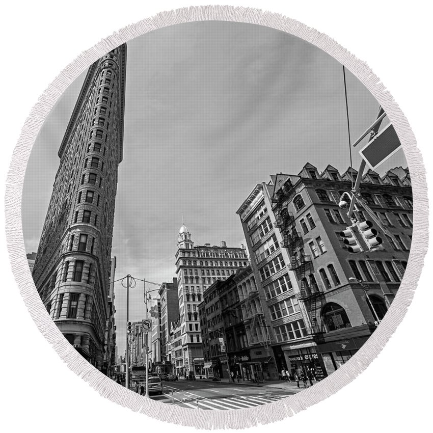 New Round Beach Towel featuring the photograph New York Ny Flatiron Building Fifth Avenue Black And White by Toby McGuire