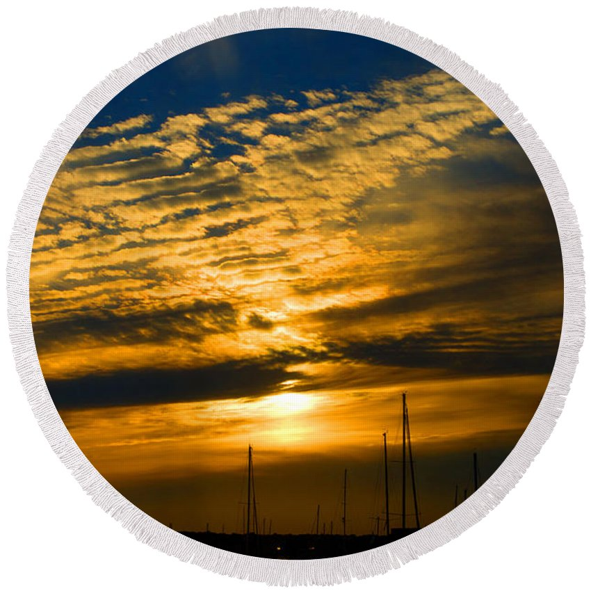 Newport Round Beach Towel featuring the photograph Newport Sunset by Ray Konopaske