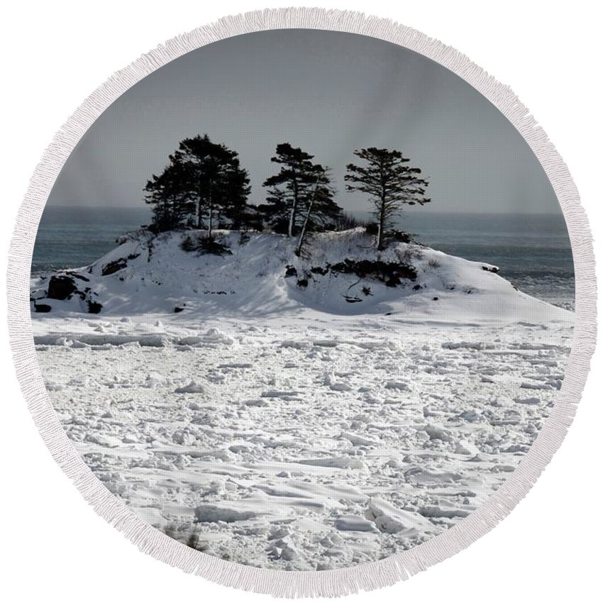 Round Beach Towel featuring the photograph Newport1 by Marc Thibault