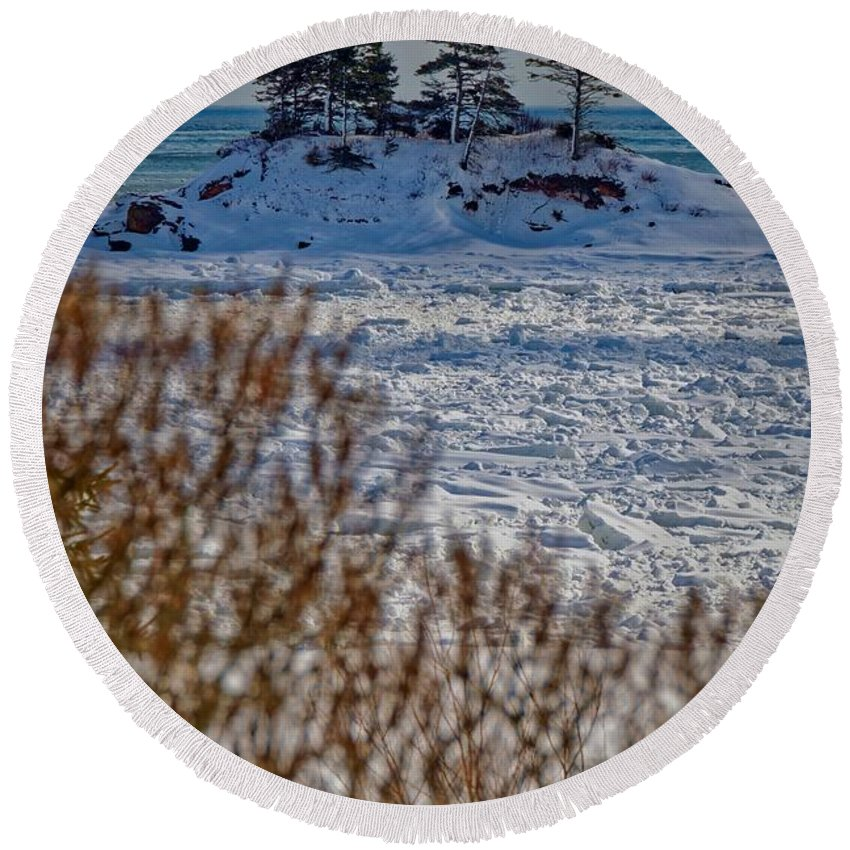 Round Beach Towel featuring the photograph Newport5 by Marc Thibault