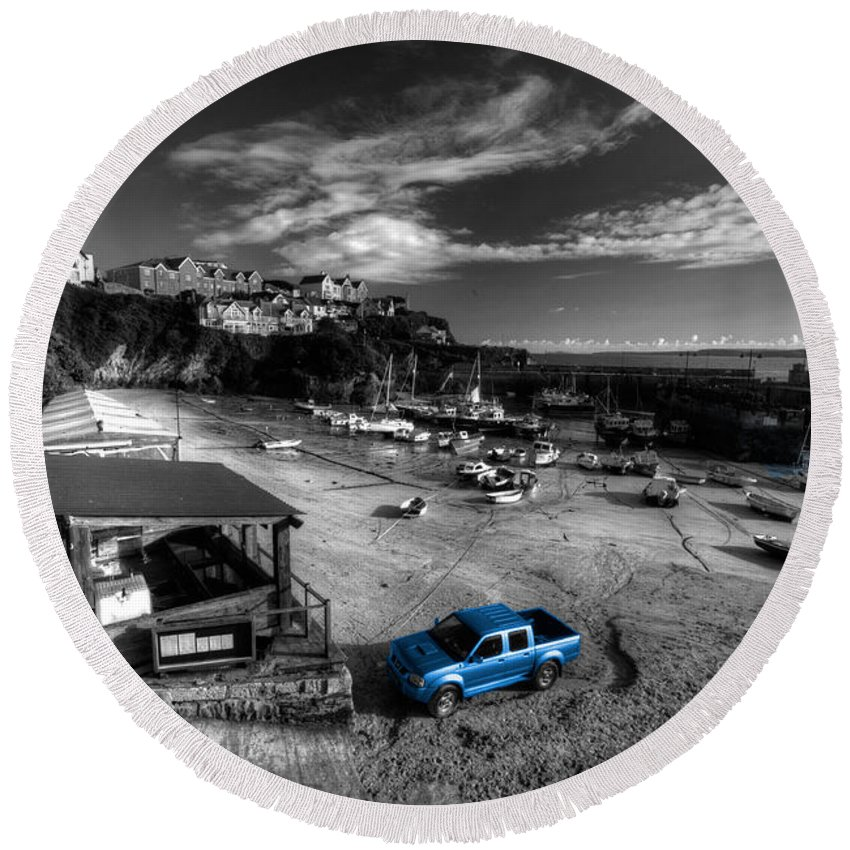 Newquay Round Beach Towel featuring the photograph Newquay Harbour Pickup by Rob Hawkins