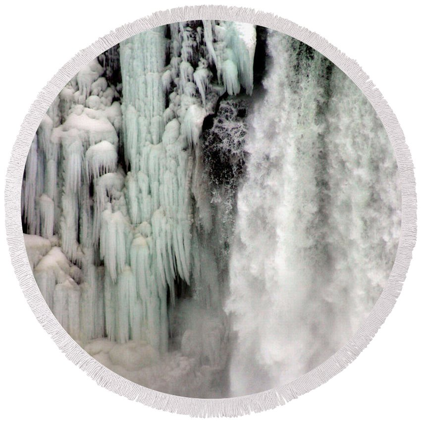 Landscape Round Beach Towel featuring the photograph Niagara Falls 5 by Anthony Jones