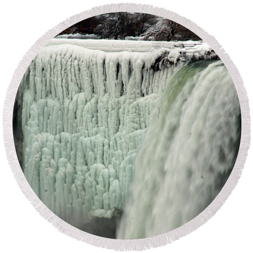Landscape Round Beach Towel featuring the photograph Niagara Falls 7 by Anthony Jones