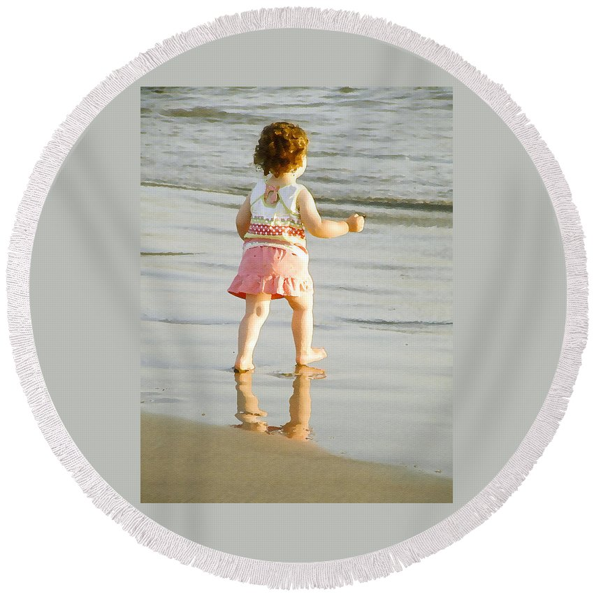 Beach Round Beach Towel featuring the photograph No Fear by Margie Wildblood