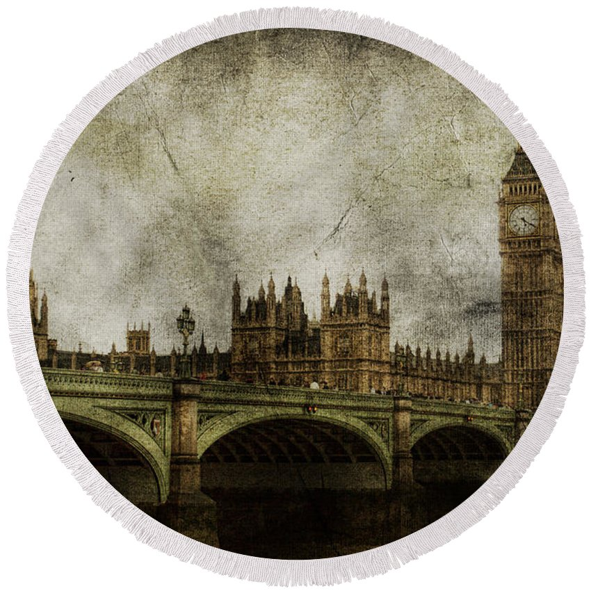 London Round Beach Towel featuring the photograph Noble Attributes by Andrew Paranavitana