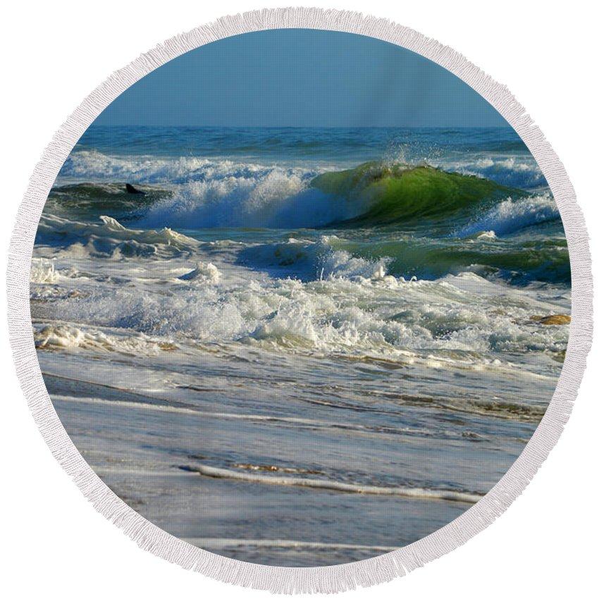 Ocean Round Beach Towel featuring the photograph North Atlantic Splendor by Dianne Cowen