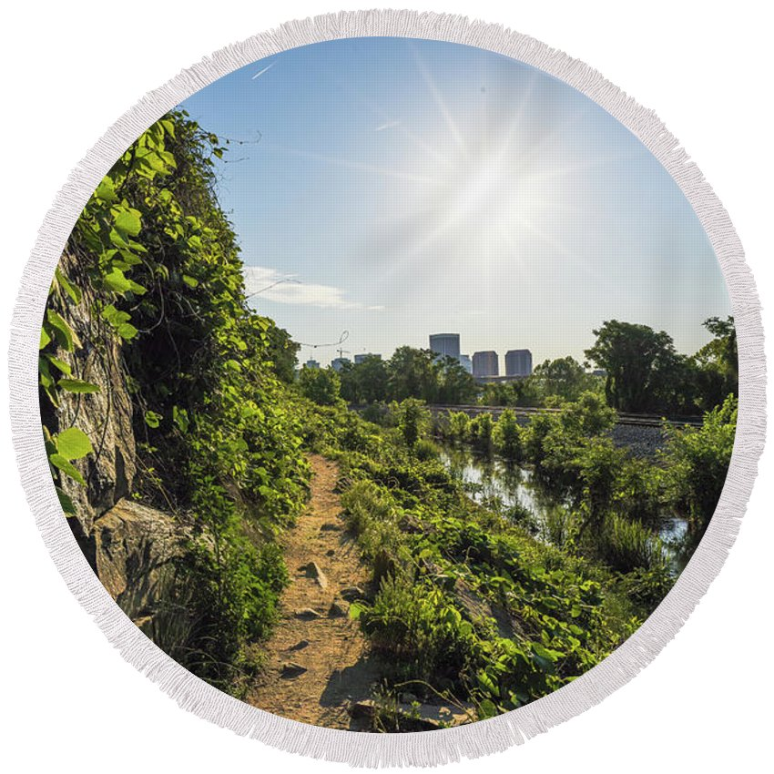 Rva Round Beach Towel featuring the photograph North Bank Trail Cliff by Doug Ash