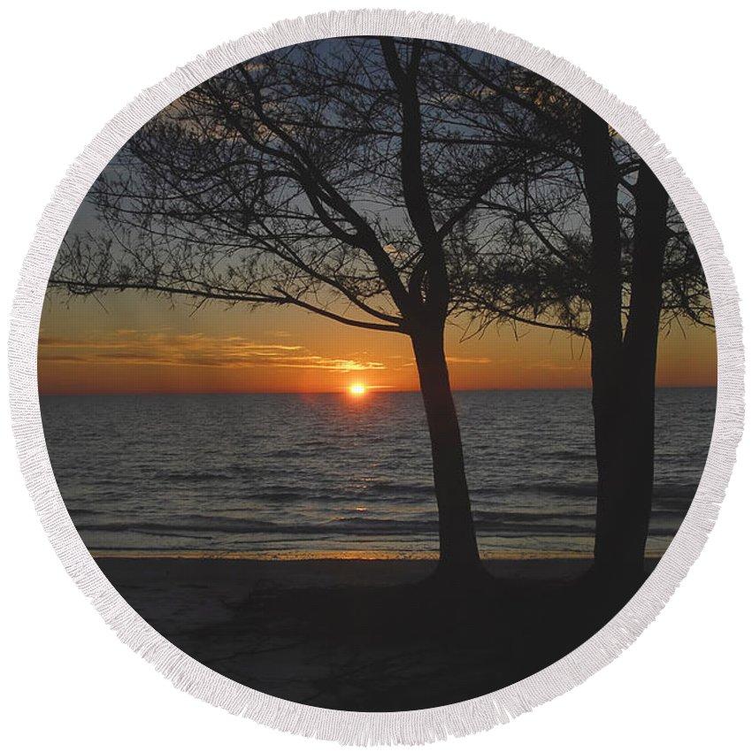 Beach Round Beach Towel featuring the photograph North Beach Sunset by David Lee Thompson