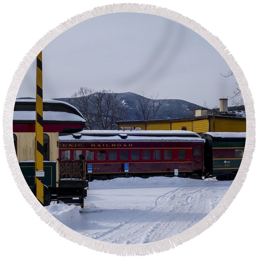 North Round Beach Towel featuring the photograph North Conway Nh Scenic Railroad by Toby McGuire