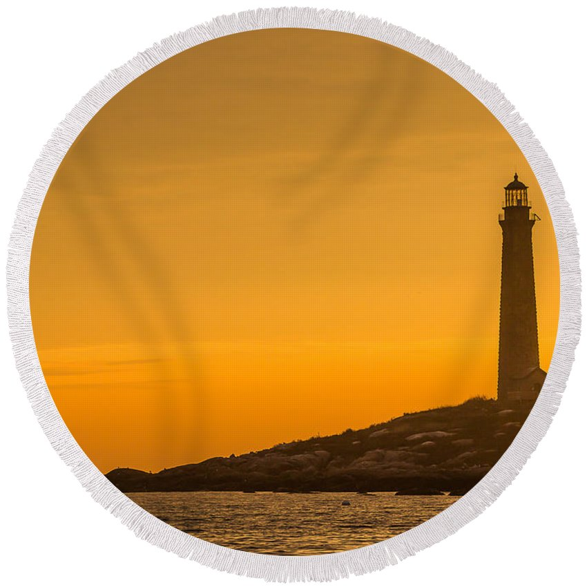 Lighthouse Round Beach Towel featuring the photograph North Light Morning Glow by Tim Kirchoff