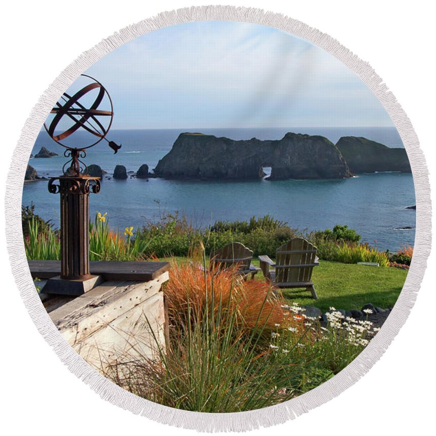 Mendocino Round Beach Towel featuring the photograph Northern California Coast View by Charlene Mitchell